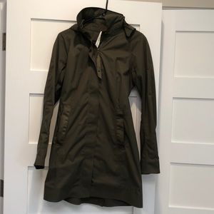 Lulu lemon rain coat